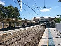 Gosford railway station.jpg