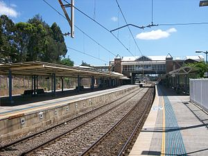 Gosford railway station - Northbound view from Platform 1 in January 2011