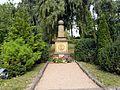 Grab Friedrich Fröbels auf dem Schweinaer Bergfriedhof.JPG