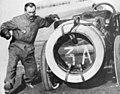 Grand Prix de l'ACF 1906, arrêt de Ferenc Szisz pour ravitaillement.jpg