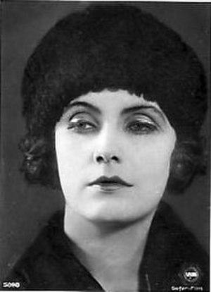 Joyless Street - Image: Greta Garbo 03