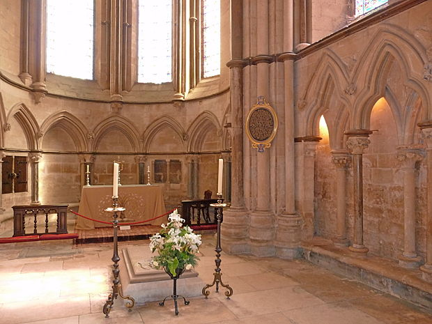 Grosseteste's Tomb and Chapel in Lincoln Cathedral Grosseteste Chapel.jpg