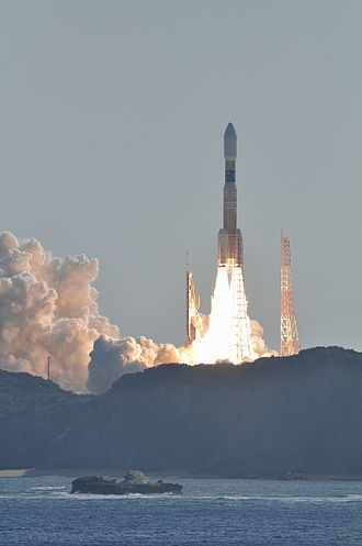 H-IIB - Image: H IIB F2 launching HTV2