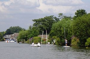 Hampton Court and Dittons Regatta - Best and best punt race with a competitor unboated at the rye peck turn