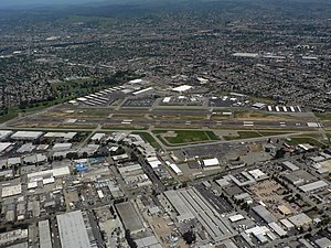Hayward Executive Airport - Image: Hayward Executive Airport 07820