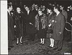 Heden arriveerden de ouders van prins Hugo Carlos de Bourbon Parma op Schiphol. , Bestanddeelnr 018-0867.jpg