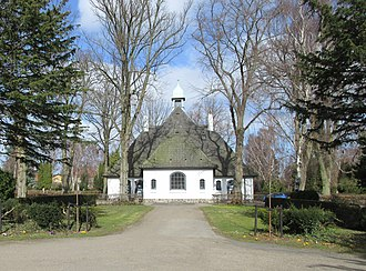 Hellerup Cemetery - One of the cemetery's two lakes