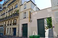 Hemingway's apartment, Paris 18 May 2014.jpg