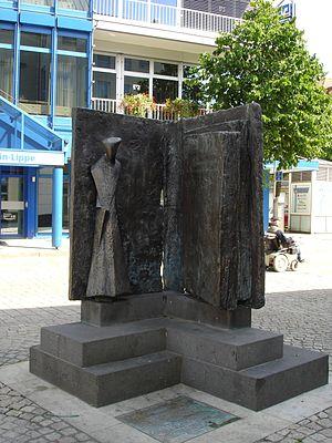 Konrad Heresbach - Memorial to Konrad Heresbach in Wesel.