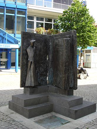 Konrad Heresbach - Memorial to Konrad Heresbach in Wesel.
