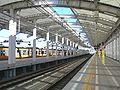 Higashikoganei-Station-2009-12-20platform.jpg