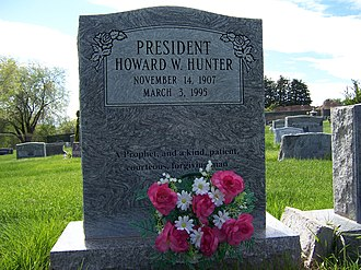 Howard W. Hunter - Image: Howard W Hunter Grave