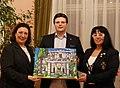 I. E. die Botschafterin der Hellenischen Republik in Österreich, Frau Chryssoula Aliferi, Mag. Matthias Laurenz Gräff, Frau Georgia Kazantzidu.JPG