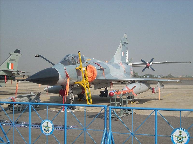 المقاتله الفرنسيه Dassault Mirage 2000  800px-IAF_Mirage_2000