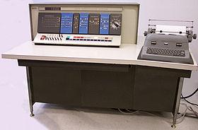 تاريخ الكمبيوتر  280px-IBM_1620_Model_1
