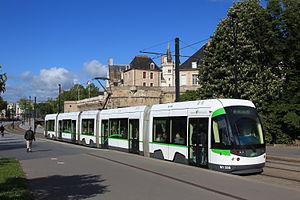 Nantes tramway - Image: Incentro n°355 à Duchesse par Cramos