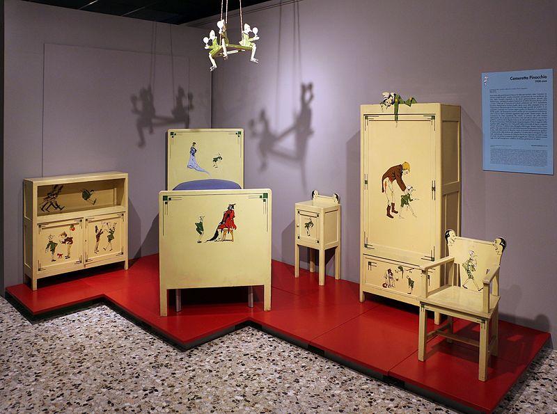 File industria veneziana di mobili laccati cameretta for Industria mobili
