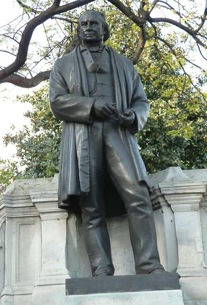 Isambard Kingdom Brunel - Bronze - Temple - London
