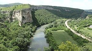 Iskar (river) - Iskar near Karlukovo