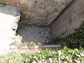 Ballista - Ballista stones found at excavation site in Jerusalem