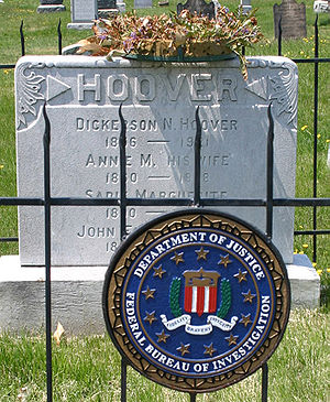 Symbols of the Federal Bureau of Investigation - Image: J. Edgar Hoover grave