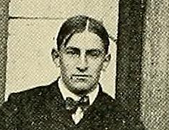 James Halligan (American football) - Halligan in the 1901 Massachusetts Agricultural football team photo