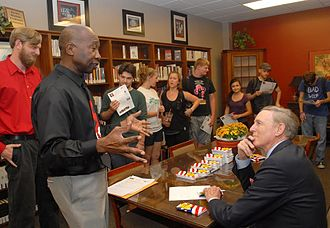 Cliff Stearns - Stearns meets with CF students and faculty during Constitution Day event.