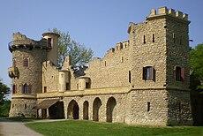 Januv hrad, Lednice.JPG