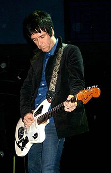 Description de l'image Johnny Marr (The Cribs) at the 9-30 Club 1.jpg.