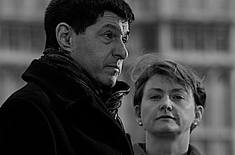 Jon Sopel - Sopel during an outside broadcast for BBC News with former Chief Secretary to the Treasury Yvette Cooper in March 2008