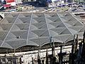Kölner Dom Blick auf Bahnsteigüberdachung des Hauptbahnhof.jpg