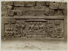 KITLV 27990 - Kassian Céphas - Relief of the hidden base of Borobudur - 1890-1891.tif