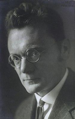 Karl von Frisch - Atelier Veritas, c. 1926.jpg