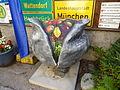Krautkopfplastik Verein Licht & Kunst Wasserturmstr.59A Ismaning 17.08.2013.JPG