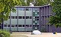 Kreuzbau, ehemalige Schule Schierenberg in Hamburg-Rahlstedt, Fassade.jpg