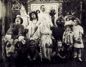 L. Frank Baum and characters in The Fairylogue and Radio-Plays 1908.png