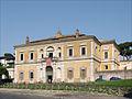 La façade extérieure de la Villa Giulia (Rome) (5883873496).jpg