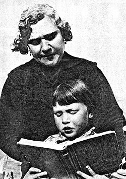 La pucelana Natividad Yarza Planas marzo de 1934 la primera alcaldesa.jpg