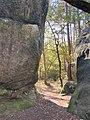 Larchant rock formation forêt de la Commanderie.jpg