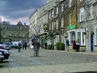 Leyburn Market town and civil parish in the district of Richmondshire, North Yorkshire, England