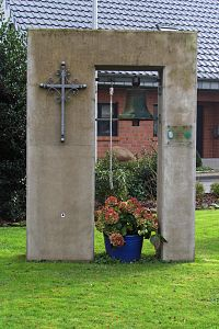 Lieck (Kapellchen) Glocke 1.jpg