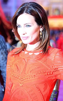 Life Ball 2013 - magenta carpet Nieves Álvarez.jpg