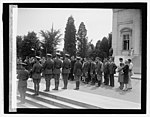 Lindbergh at Tomb of Unknown, 6-12-27 LCCN2016843113.jpg