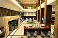Lobby Hotel Marriott w Warszawie.JPG