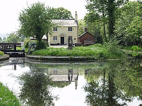 Lock House at Burgedin Lock on the Montgomery Canal - geograph.org.uk - 46971.jpg