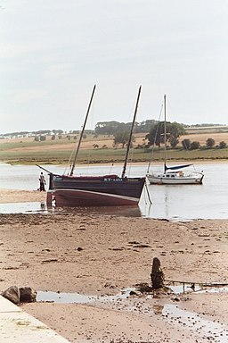 Low tide on the river - geograph.org.uk - 929002
