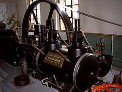 MAN Dampfmaschine.jpg