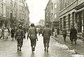 Maastricht, Wycker Brugstraat, Amerikaanse soldaten, 1944-45.jpg