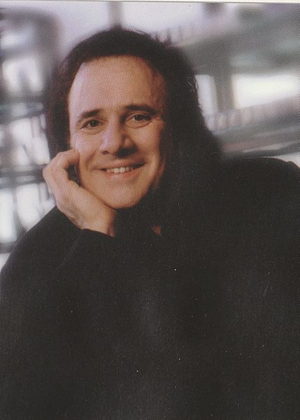 File:Mac Cosmetics Creator Frank Angelo Was First Manager Of Michael Laucke.jpg