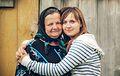 Madre e hija (8150244296).jpg